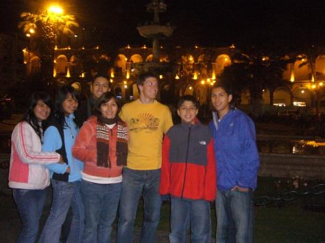 Me, Brenda, Fam & Extended Fam living in Arequipa